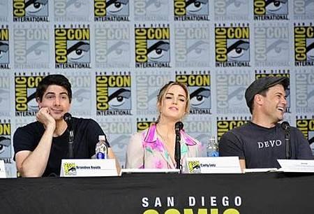 Legends Of Tomorrow Comic Con Panel 2017 (17).jpg