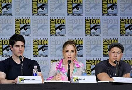 Legends Of Tomorrow Comic Con Panel 2017 (23).jpg