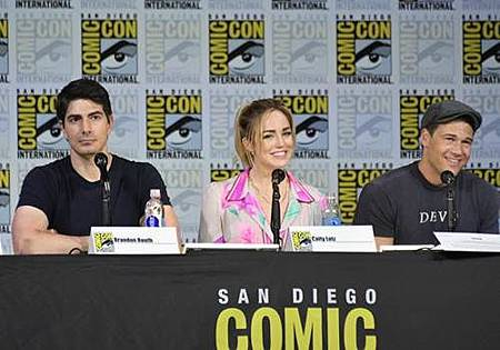 Legends Of Tomorrow Comic Con Panel 2017 (25).jpg