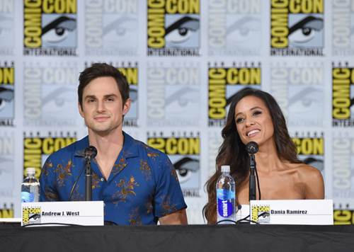 Once Upon a Time Comic Con Panel 2017 (3).jpg