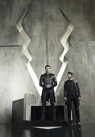 Inhumans 1x1 (1).jpg