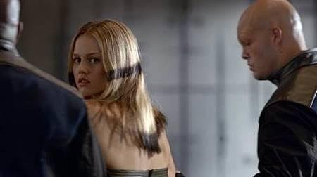 Inhumans 1x1 (11).jpg