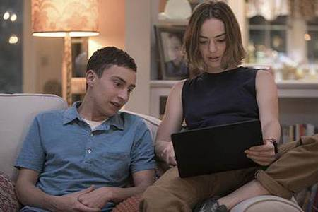 Atypical S01 (8).jpg