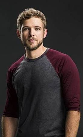 Clay(Max Thieriot).jpg