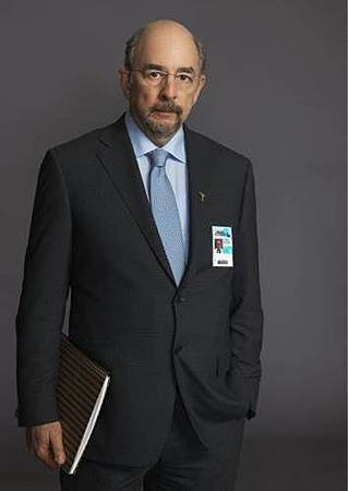 Ira Glassman(Richard Schiff).jpg
