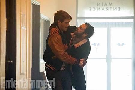 Riverdale 2x1.jpg