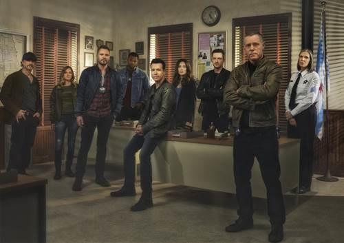 CHICAGO PD S05 cast (3).JPG