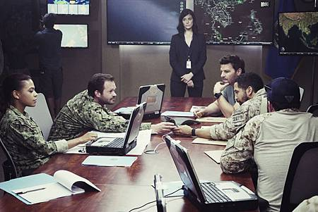 Seal Team 1x03-02.jpg