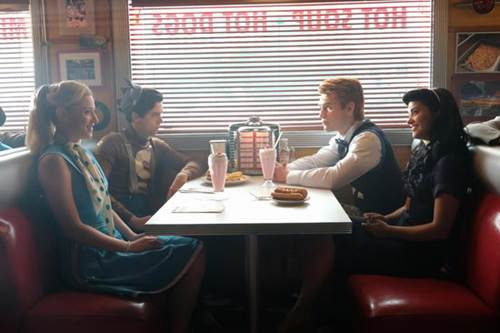 Riverdale 2x1 (2).jpg