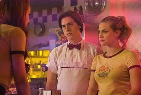 Riverdale 2x1 (6).jpg