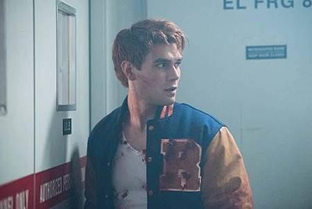 Riverdale 2x1 (12).jpg