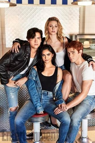 Riverdale S02 cast (2).jpg