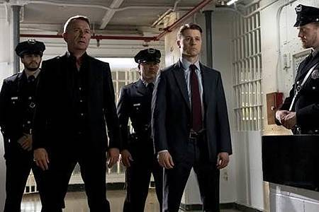 Gotham4x5 (13).jpg