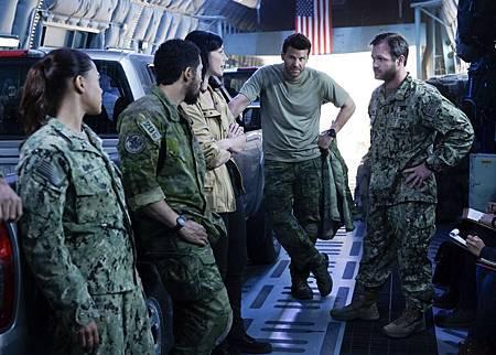 SEAL Team 1x07-04.jpg