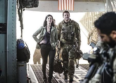 SEAL Team 1x09-06.jpg