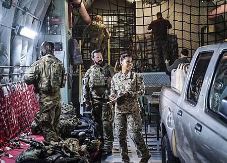 SEAL Team 1x09-09.jpg