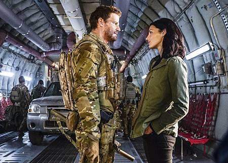 SEAL Team 1x09-10.jpg