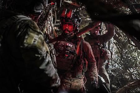 SEAL Team 1x09-14.jpg
