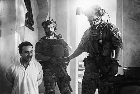 SEAL Team 1x10-03.jpg
