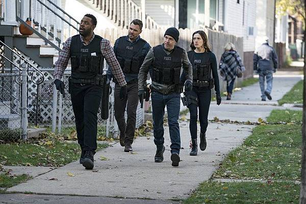 CHICAGO PD5x11 (1).JPG