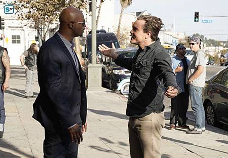 Lethal Weapon2×13(9).jpg