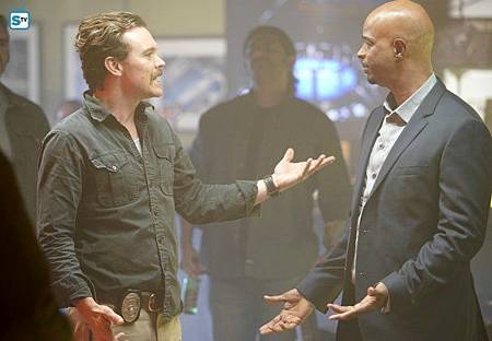 Lethal Weapon2×13(10).jpg