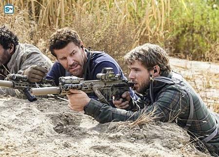 SEAL Team 1x11-05.jpg