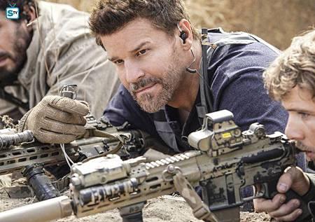 SEAL Team 1x11-06.jpg