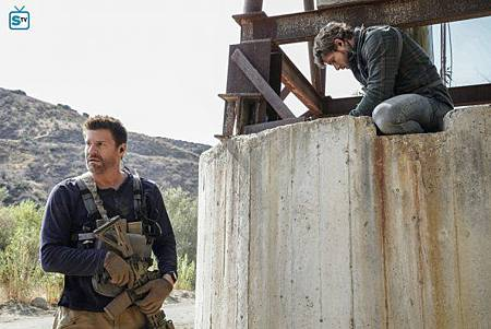 SEAL Team 1x11-09.jpg