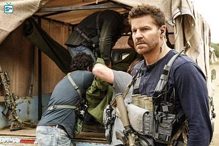SEAL Team 1x11-11.jpg