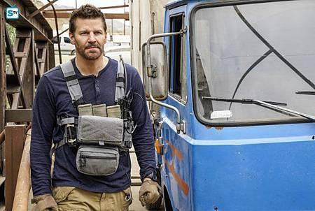 SEAL Team 1x11-16.jpg