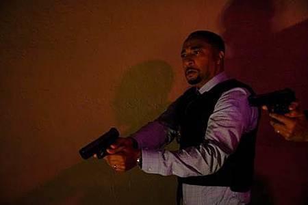 Black Lightning 1x2 (1).jpg
