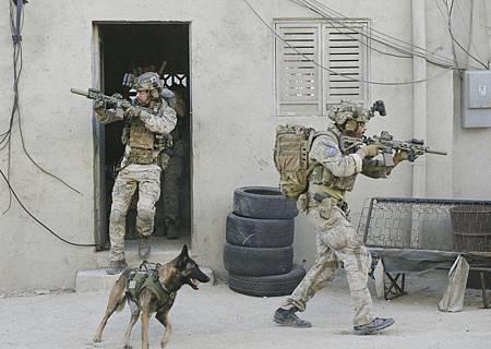 SEAL Team 1x12-05.jpg