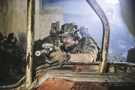 SEAL Team 1x12-10.jpg