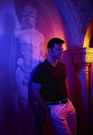 American Crime Story S02 The Assassination of Gianni Versace (22).jpg