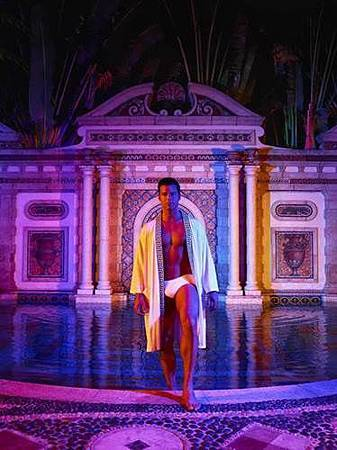 American Crime Story S02 The Assassination of Gianni Versace (28).jpg