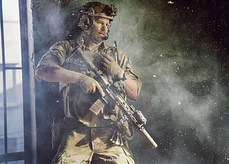 SEAL Team 1x14-09.jpg