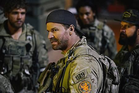 SEAL Team 1x14-08.jpg