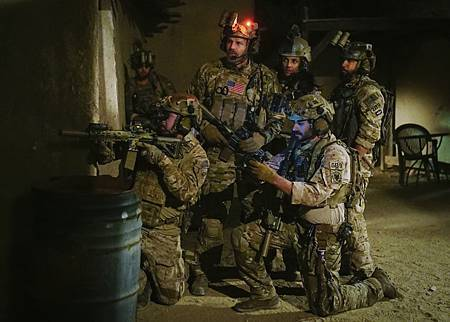 SEAL Team 1x14-07.jpg