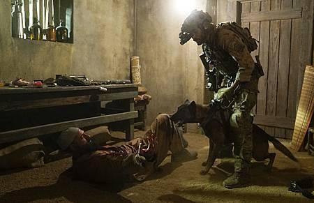 SEAL Team 1x14-01.JPG