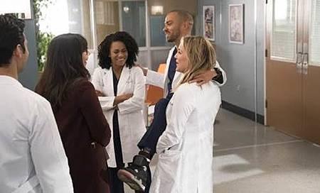 Grey's Anatomy 14x13 (1).jpg