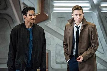 Legends of Tomorrow 3x13 (1).jpg