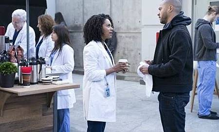 Grey's Anatomy 14x15 (12).jpg