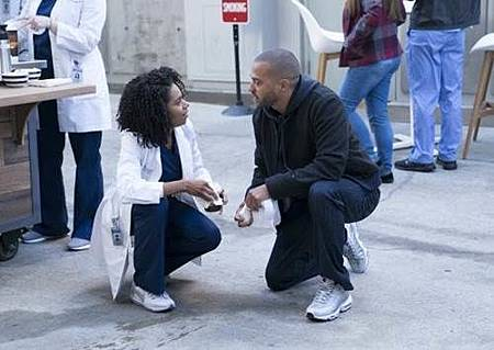 Grey's Anatomy 14x15 (13).jpg