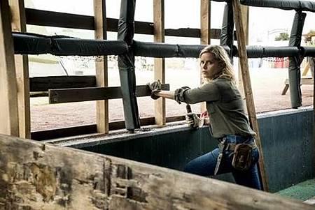 Fear The Walking Dead S04 (5).jpg