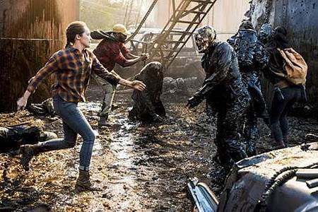 Fear The Walking Dead S04 (2).jpg