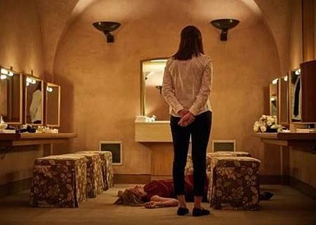 Killing Eve S01 (18).jpg