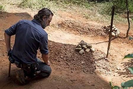 The Walking Dead 8X12 (2).jpg