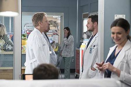 Grey's Anatomy 14x18 (10).jpg