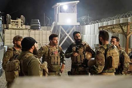 SEAL Team 1x17-05.JPG